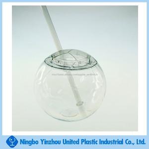 di plastica a forma di calcio bere palla