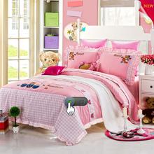 european design comforter set with customized soft cushion