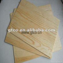 el panel de tablero de madera de pino