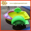 coloridos de plástico pequena mão pedal barco crianças mão barcos a remo