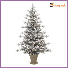 Hot! Hot Sale Snowing Artificial Christmas Trees with LED Light
