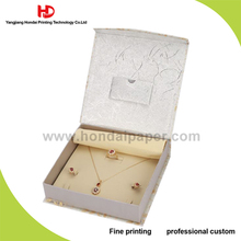 Custom Handmade Square Shape Luxury Hard Packaging Velvet Jewelry Gift Box