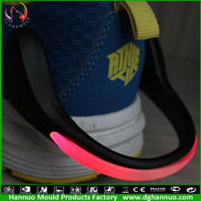 Wholesale fashion how sell fashion decorative shoe clip light for runners (OEM WELCOME)