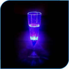 Inflatable Wedding Decorations Hot Led light Good Factory Price LED Lighting Up Liquid Activated Flashing Champagne Glass
