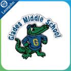 China fornecedor personalizado crocodilos remendo bordado para o ensino médio