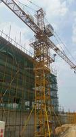 Second hand used tower crane of World Famous brand inner climbing e7030 7032 STT293 MC170A 7052 7035