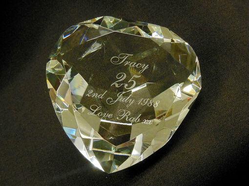 herzform kristall glas diamantene hochzeit andenken. Black Bedroom Furniture Sets. Home Design Ideas