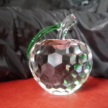 Cheap Crystal Apple With Green Leaf,Clear Crystal Apple for Wedding Souvenir or Gift