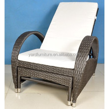 SGS UV Resistant PE Rattan Sun Lounger with footrest