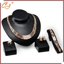 Yiwu carino gioielli ltd. Promotionjewelry com uno pezzo dropshipping 18k dichiarazione gioielli 4 pezzi tuta