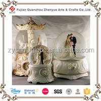 Hot Sales 2015 Photo Glass Plastic Polyresin Wedding Couple Snow Globe,Wedding Favors Snow Globe