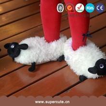 Oveja adorable lindo diseño forma a niños zapatos zapatillas invierno interior
