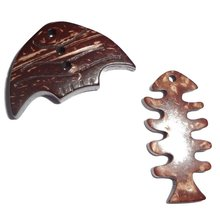 fish shape laser engraved decorative wood buttons for garment/clothing