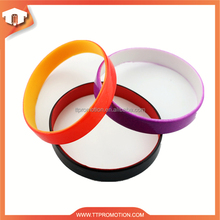 Wholesale top quality cheap silicone wristbands with section color