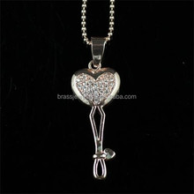 Copper Brass Jewelry Zircon Paved Beautiful Love Gift for Girls Heart Key Shape Fashion Jewelry Necklace
