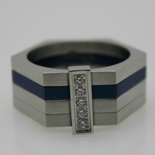 Famous brand manly 316l cheap engrave jewelry mens stone rings
