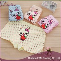 Dots printed rabbit cotton panties for little girls