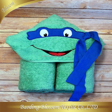 Comfortable Fashion Frog Cartoon Design Bathrobe 100% Cotton Hooded Blanket HRM Terry Towel Baby Blankets