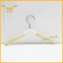 Metal hook logo hanger wholesale foam garment hangers