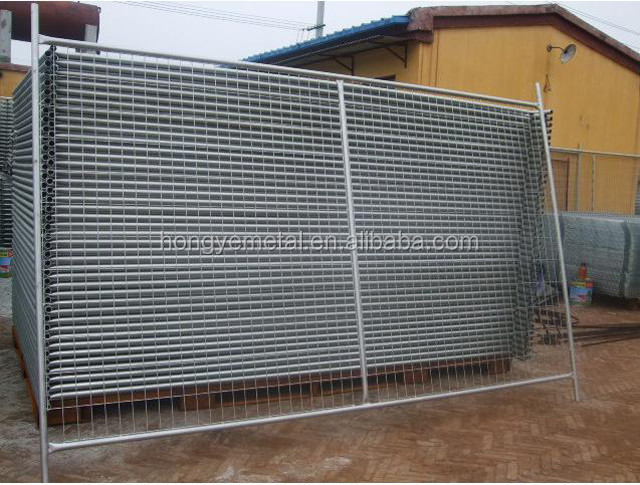 Galvanized reinforcing concrete welded wire mesh fence