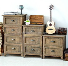 Chest of drawer with metal handle