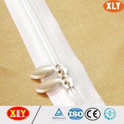 Professional zipper factory wholesale two way nylon zipper with fashionable puller