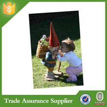 Twitter unique custom wholesale resin garden gnomes