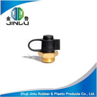 Gas reservoir fitting inlet gas valve