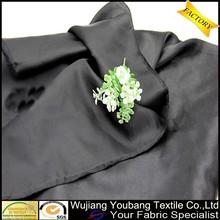alta qualidade de estiramento maçante robe de cetim preto tecido
