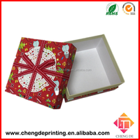 2015 Customized beautiful printing lid and base gift box with ribbon