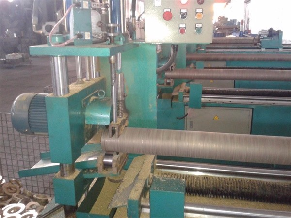 Pipe cutting machine1A.jpg
