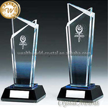 crystal award with black base for commend