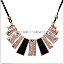 Pendant Chain Crystal Choker Chunky bib Statement Necklace women Fashion Jewelry