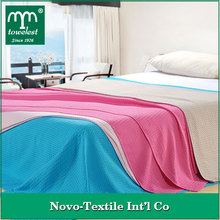 100% cotton made,muti use blanket waffle wave blanket on bed,bed sheeting for adult