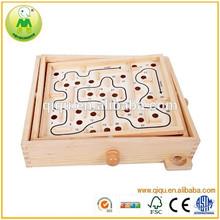 Precio promocional 12*12 sólido de madera laberinto laberintos
