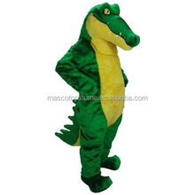 Cosplay cartoon mascot dolls take Crocodile Crocodile, acting under the adult