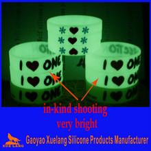 very bright glow in the dark silicone bracelets wristband
