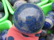 vendita calda 8 a 10 cm di cristallo di quarzo naturale lapislazzuli palla sfera prime lapislazzuli pietra prezzo