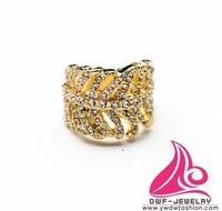 2015 Latest Gold Plating Shiny Attractive Fashion Brand Rhinestone Leaf Ring