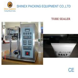 Semi automatic tube sealer