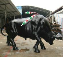 customized large fiberglass spain bullfighting statue as garden decoration