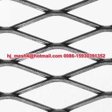 Smooth diamond hole expanded metal