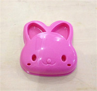 YL008 Popular kitchen product Competitive price Big rabbit mold for bread