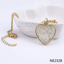 Yiwu Custom Fashion Jewelry Pressed Real Flower Resin Pendant in Necklace