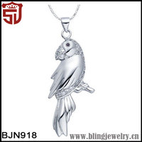 Plating Gold Copper with Large Parrot Shaped Animal Pendant