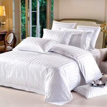 white stripe bed sheet set used for hotel