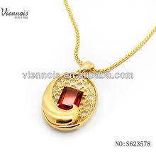 collares de oro con piedra roja para 2015