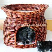 Wholesale cheap decorative wicker indoor dog house with balcony
