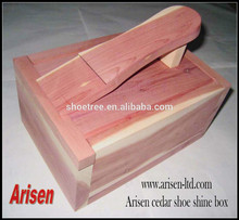 boîte en bois d'éclat de chaussure de cèdre