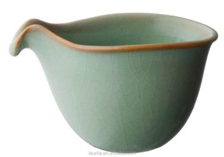 Chinese Ju ware beak-shaped Tea Pitcher